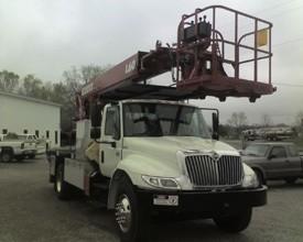386W- '08 IHC 4300 w/60 Ft. Elliott Sign Truck Package