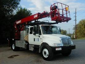 466U – (2007) 60′ Rear Mount Elliott With Jib Winch On X-Cab (RVA)